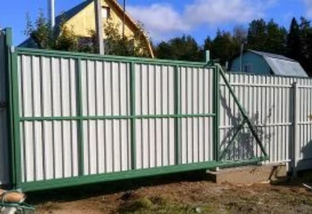 Легкие откатные ворота для дачи