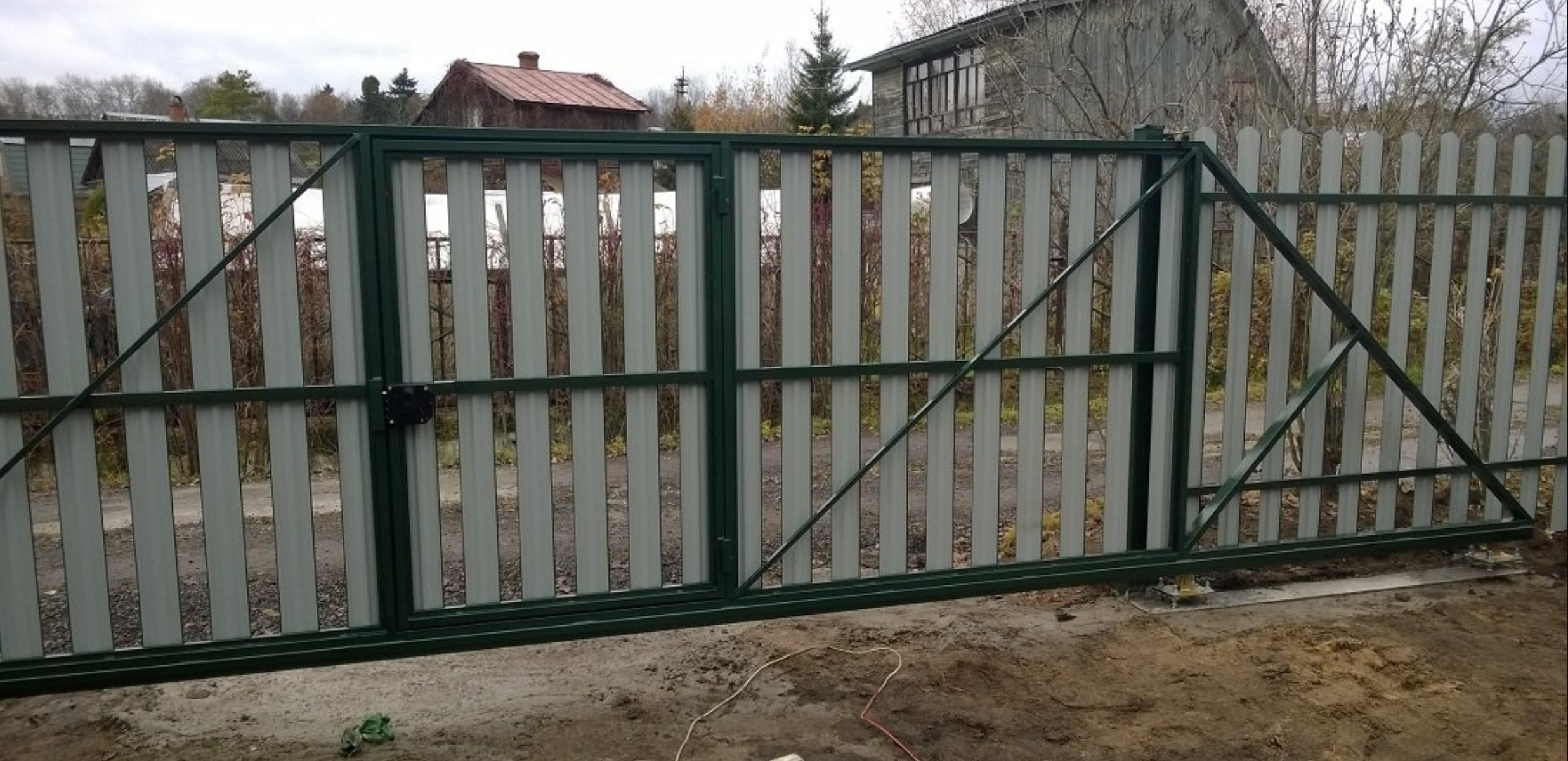 Откатные ворота на евроштакетника под ключ