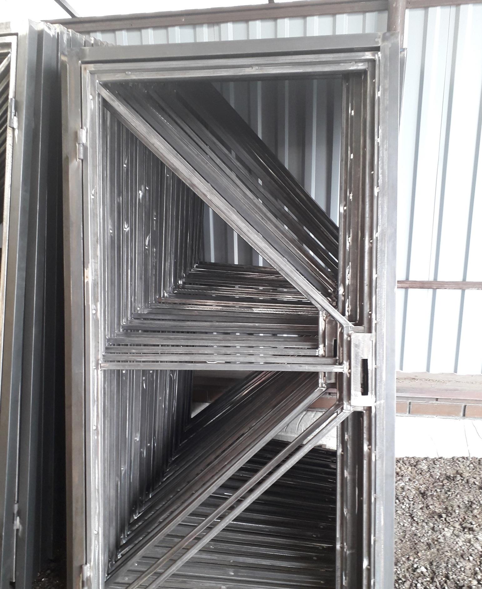Фото производства откатных ворот
